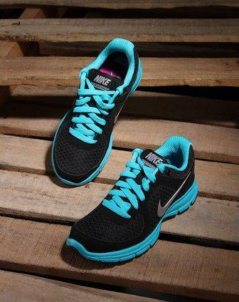 耐克nike-女鞋专场-女款黑/蓝色绑带时尚跑步鞋