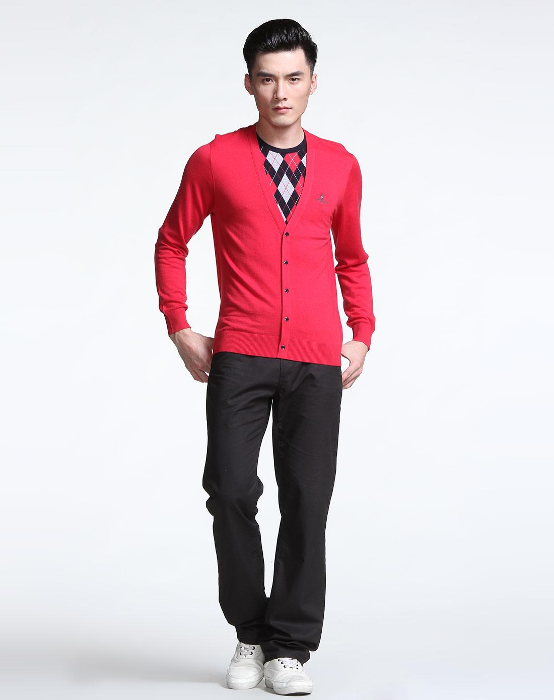 男款玫红色假两件长袖针织套头毛衣