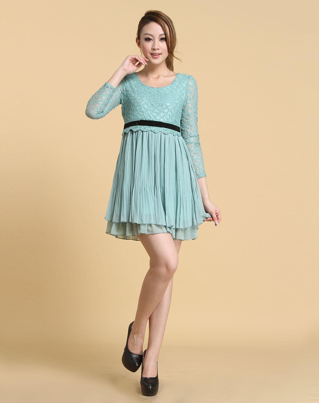 粉蓝色时尚可爱风长袖连衣裙
