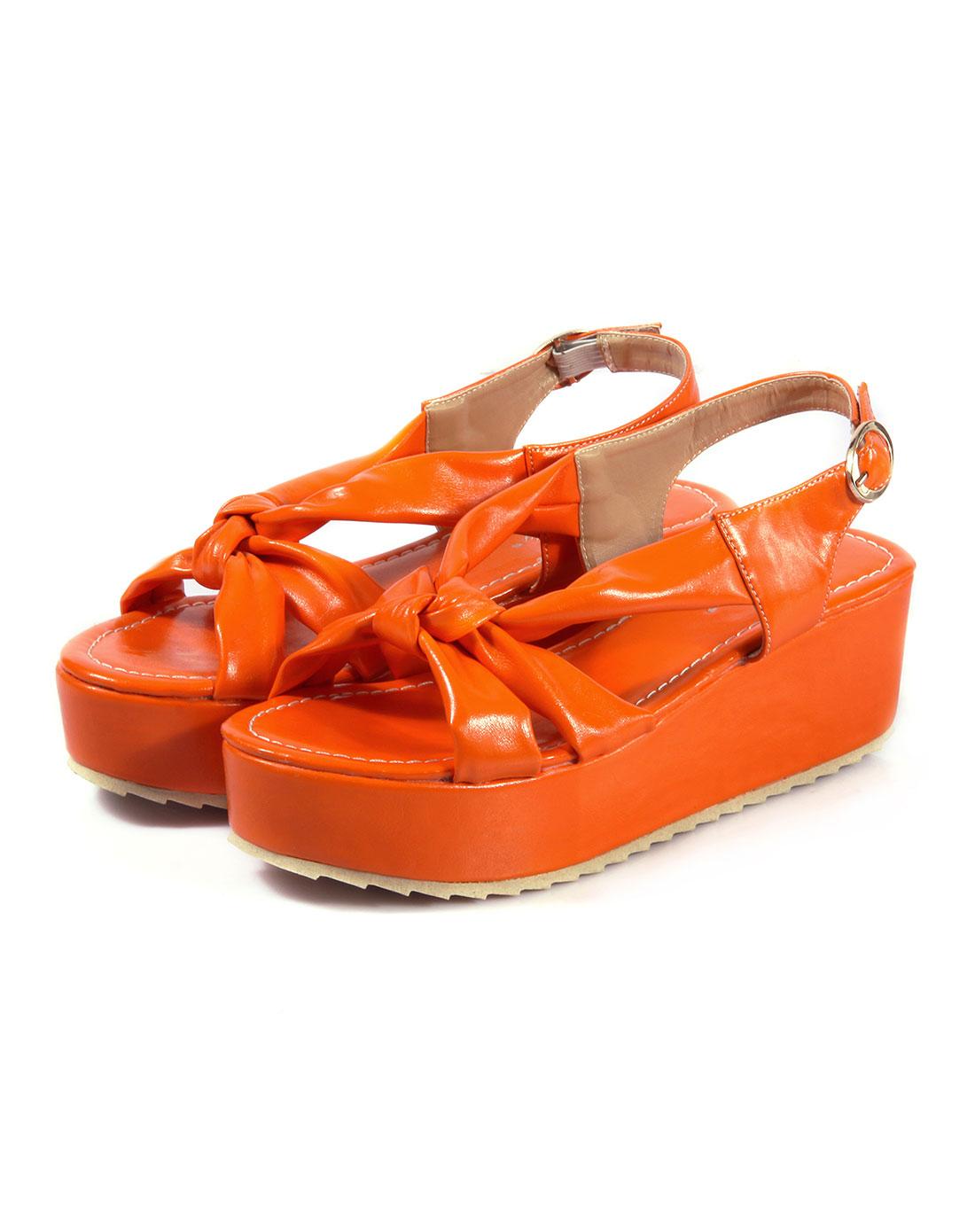 蝴蝶结松糕底凉鞋
