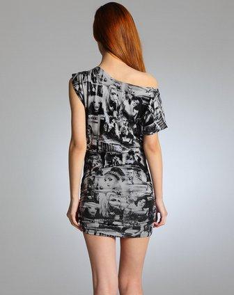 灰黑报纸图案不对称包臀短袖连衣裙