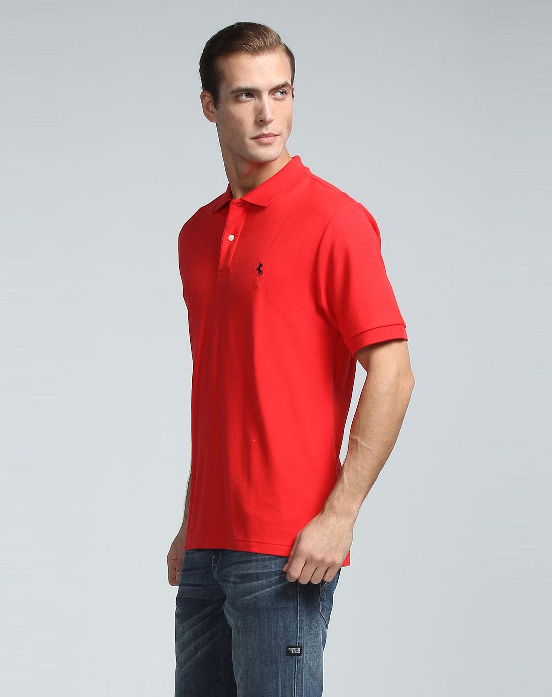 男款大红色t恤