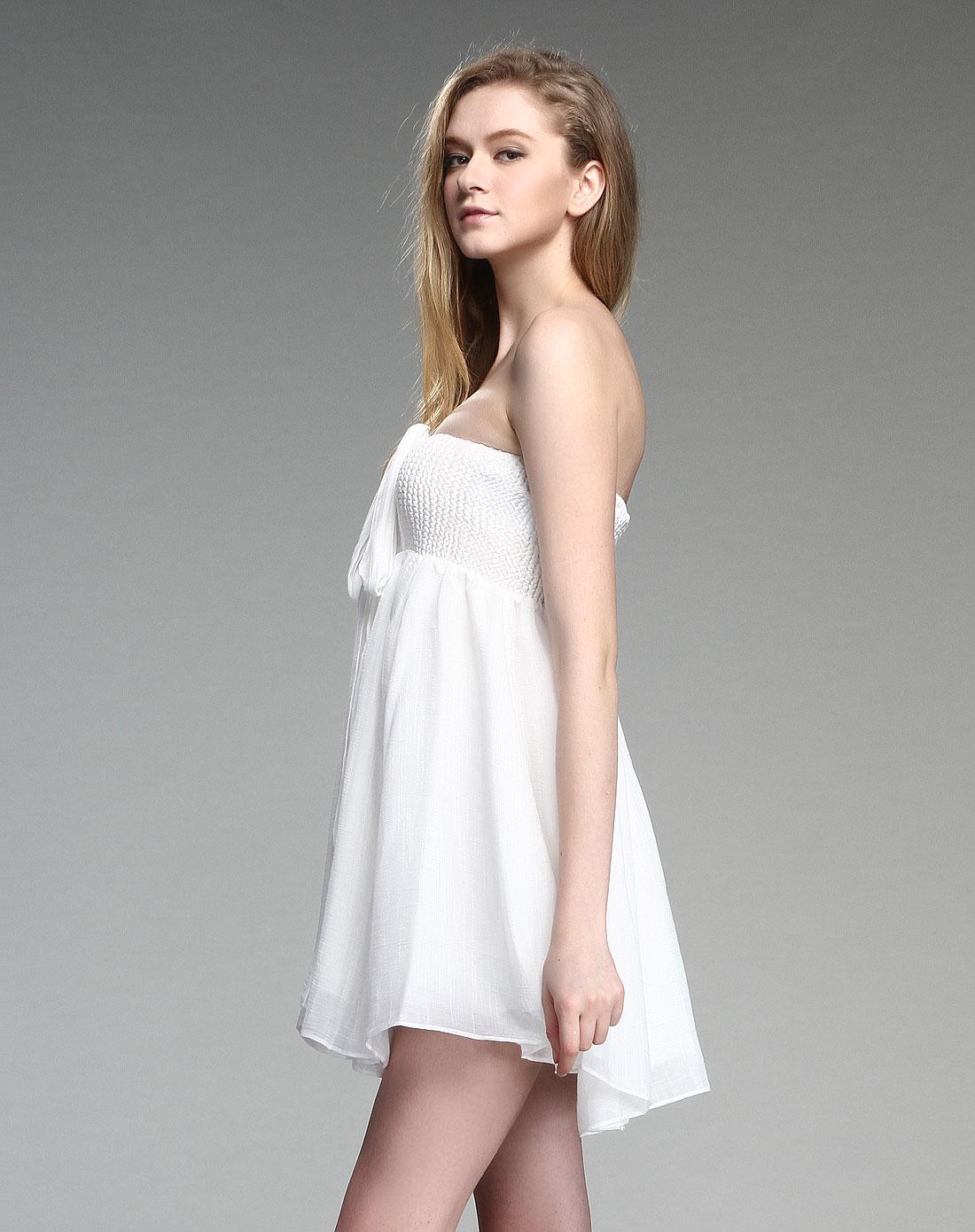 露肩连衣裙