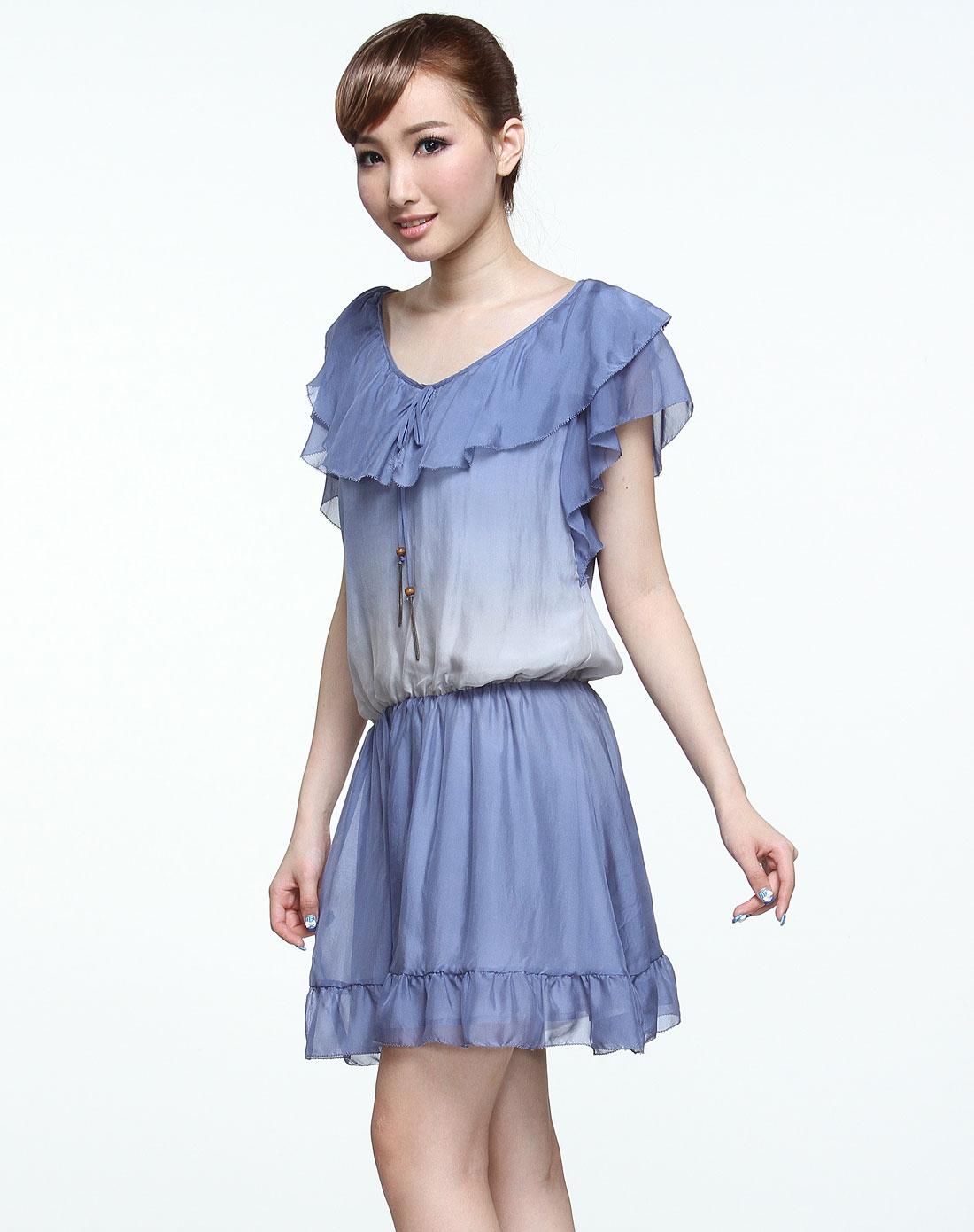 浅蓝色渐变简约无袖连衣裙
