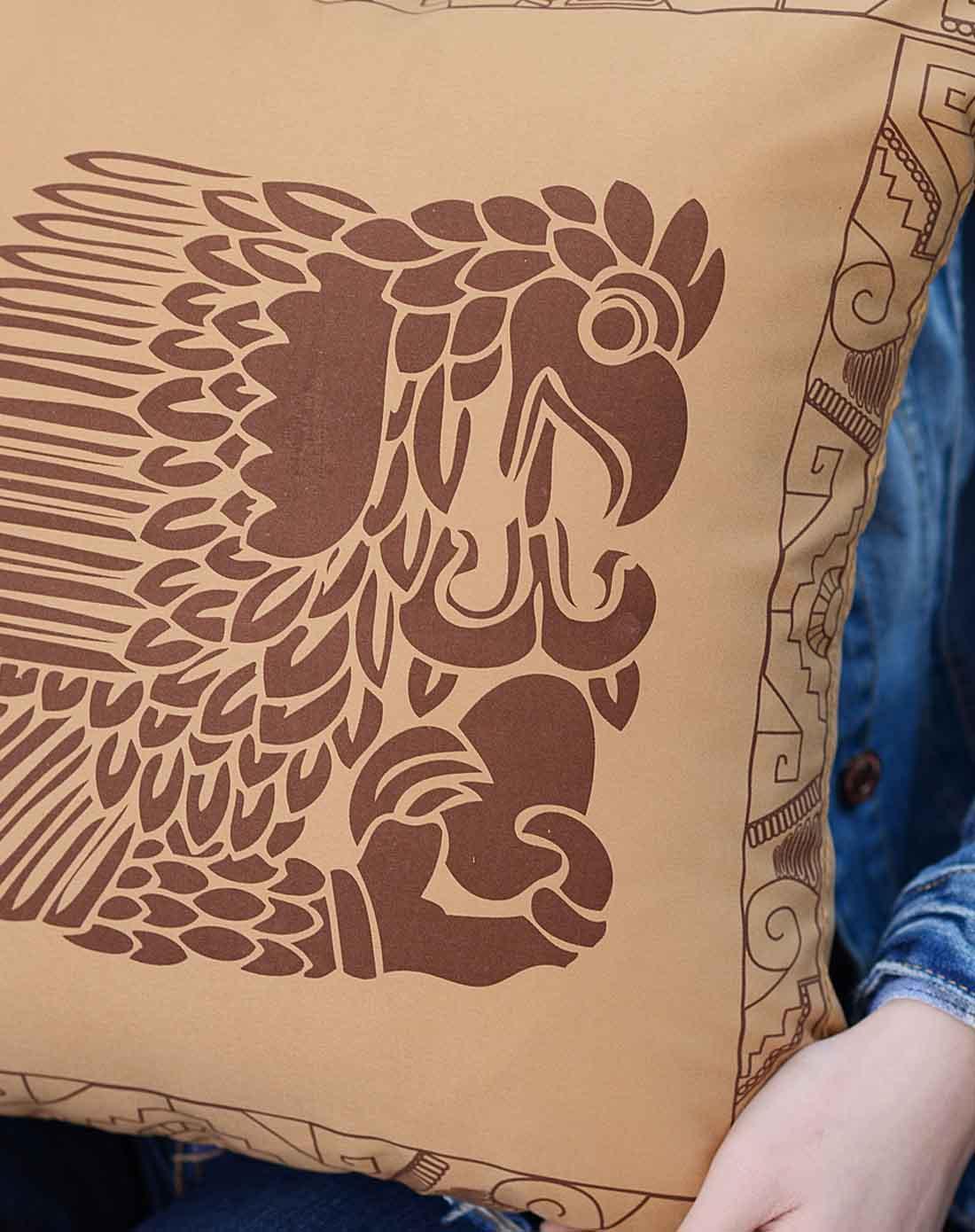 手绘风格印第安图腾抱枕