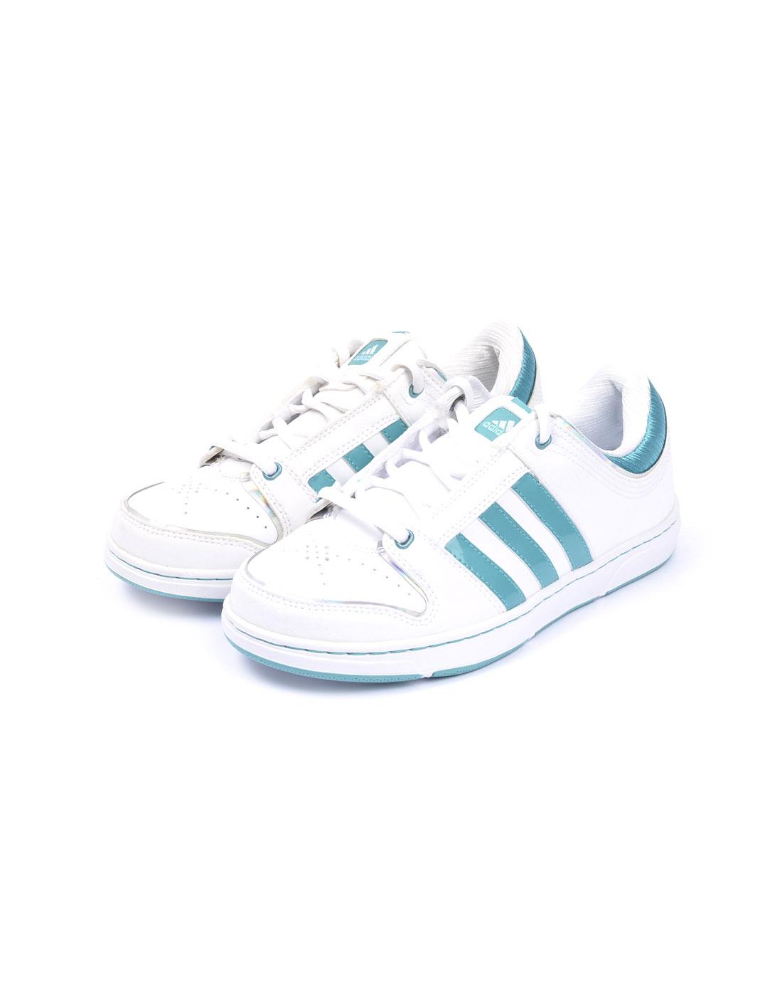阿迪达斯adidas女子白色篮球鞋g23434