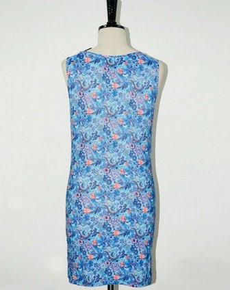 女款蓝色个性花纹无袖堆堆领连衣裙