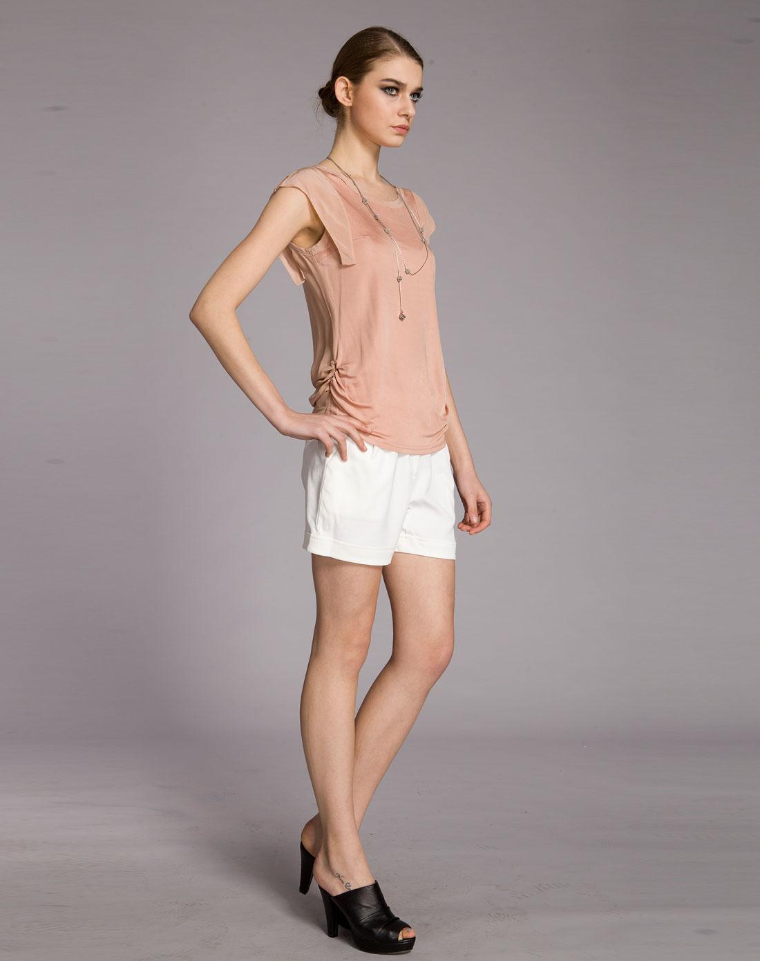 白色清新简约女短裤