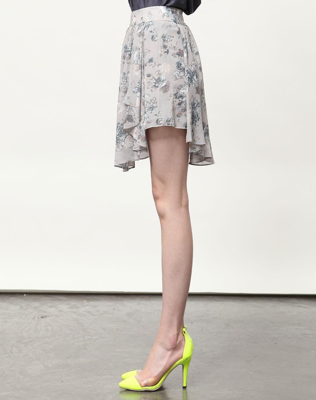 复古花纹短裙