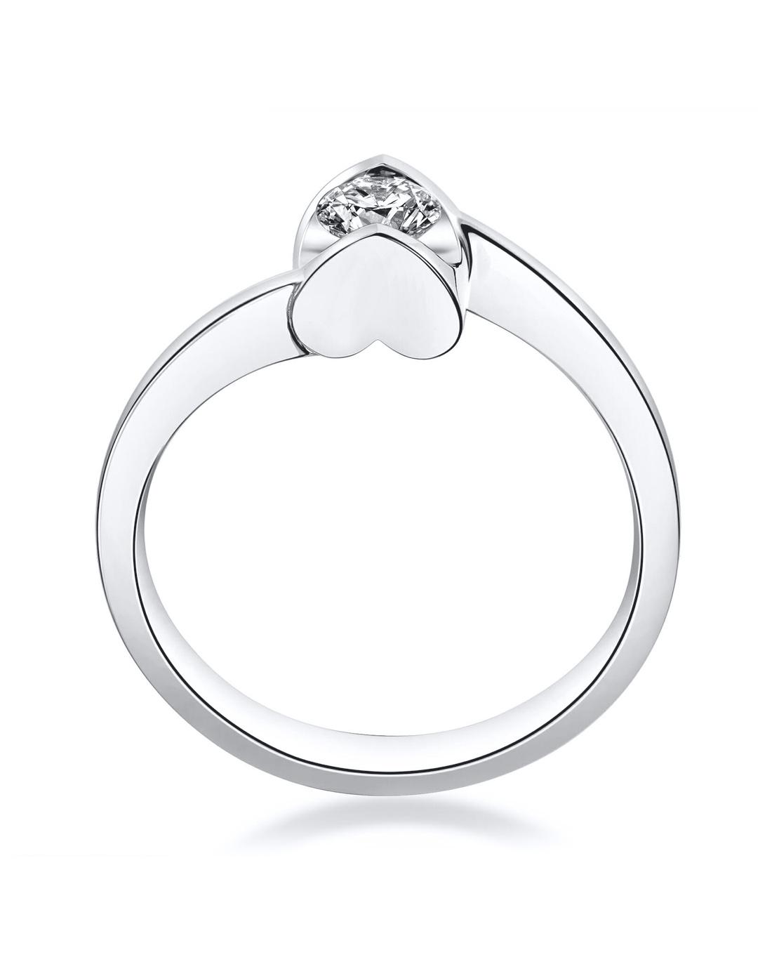六福珠宝钻石戒指