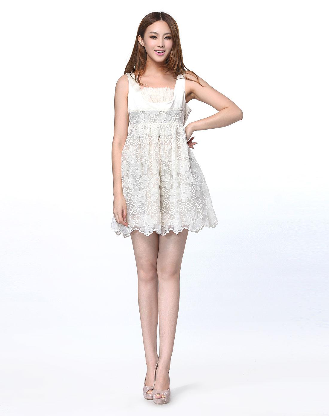 时尚手工钩花米白色背心连衣裙