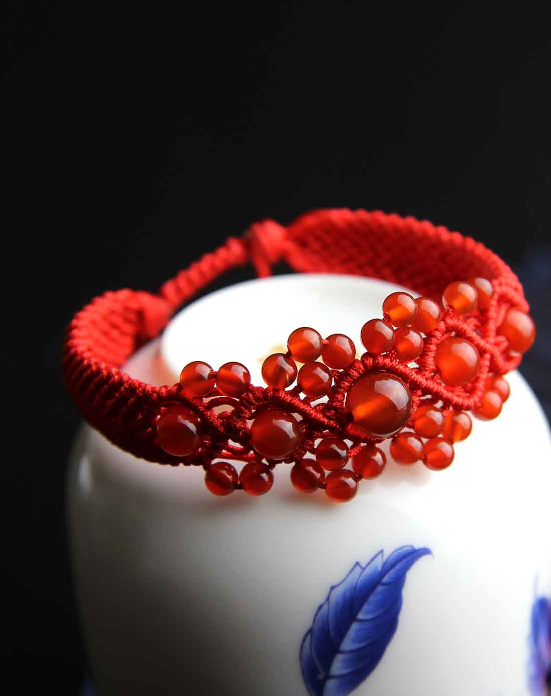 红玛瑙纯手工编绳攒珠手链(附证书)
