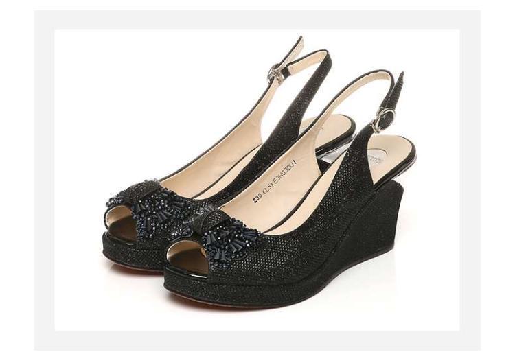 森达夏季专柜同款时尚休闲坡跟女高跟凉鞋