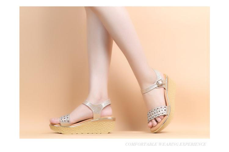 森达夏季专柜同款时尚坡跟女高跟凉鞋