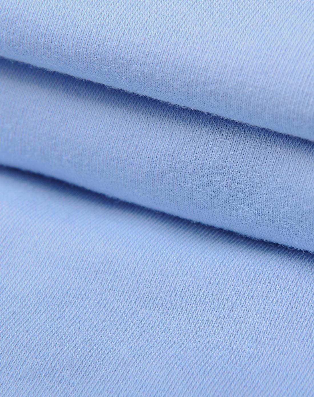 男童浅蓝色套装