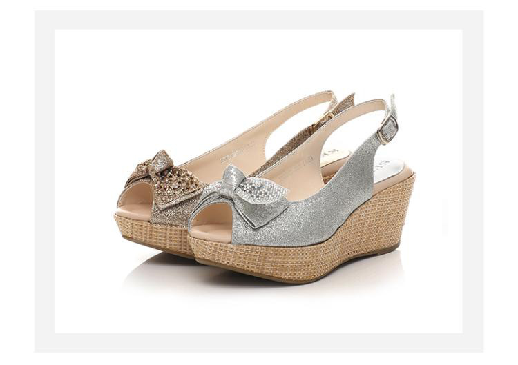森达春季专柜同款时尚大方pu坡跟女高跟凉鞋
