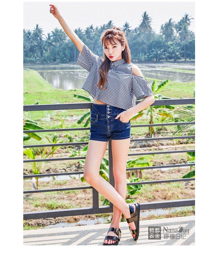 甜美萌妹子直排扣深色高腰显瘦显高牛仔短裤蓝色