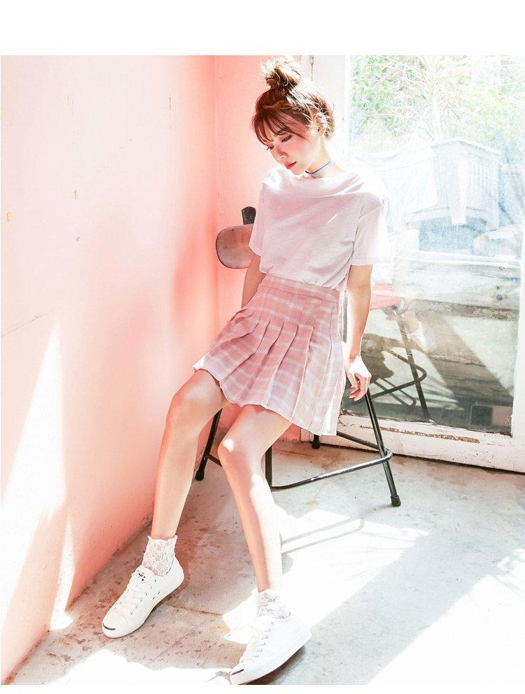 百褶裙 裙长: 短裙 适用人群: 青少年 腰型: 高腰 风格: 甜美可爱
