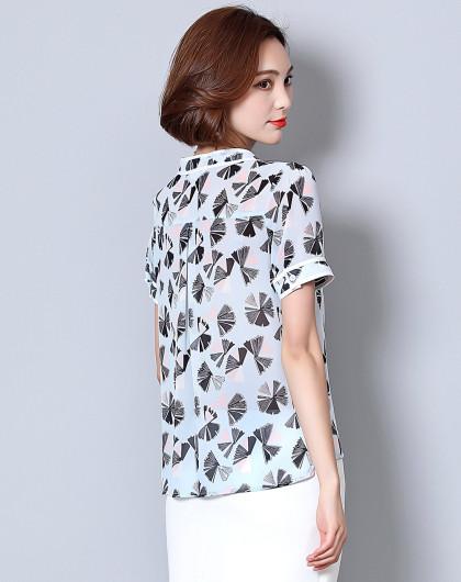【2019春新品】时尚雪纺上衣女款衬衣优雅通勤领口飘带短袖印花雪纺衫