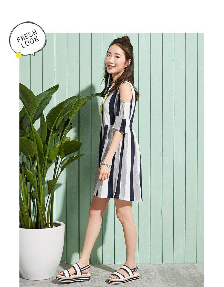 森马夏季女士条纹显瘦甜美露肩学生青春学院风潮连衣裙