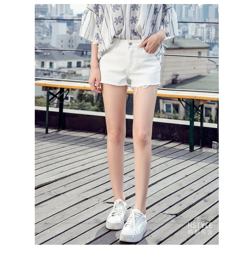 甜美萌妹子通勤简约中腰牛仔短裤  适用季节: 夏 风格: 甜美可爱 腰型