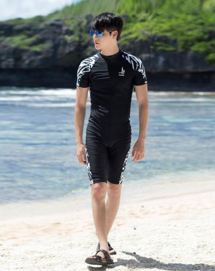 連體一件套 男士泳衣 保守運動顯瘦圖片