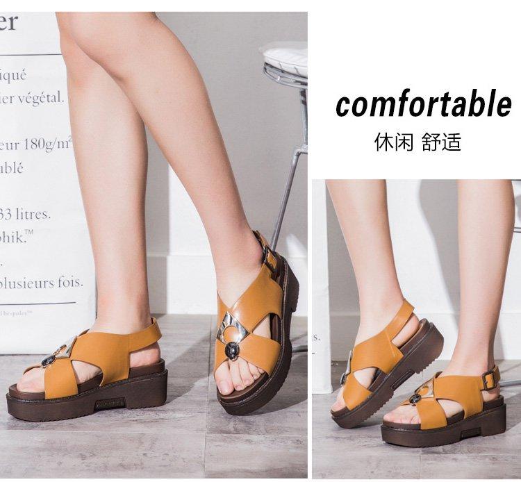 2017年新款 名典时尚厚底金属扣舒适休闲凉鞋棕色