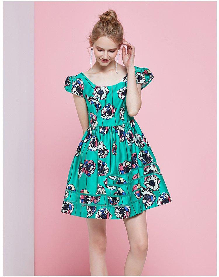 白绿x廓形修身连衣裙图片