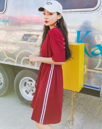 韩都衣舍 2019夏装新款韩版女装街头风印花条纹短袖连衣裙
