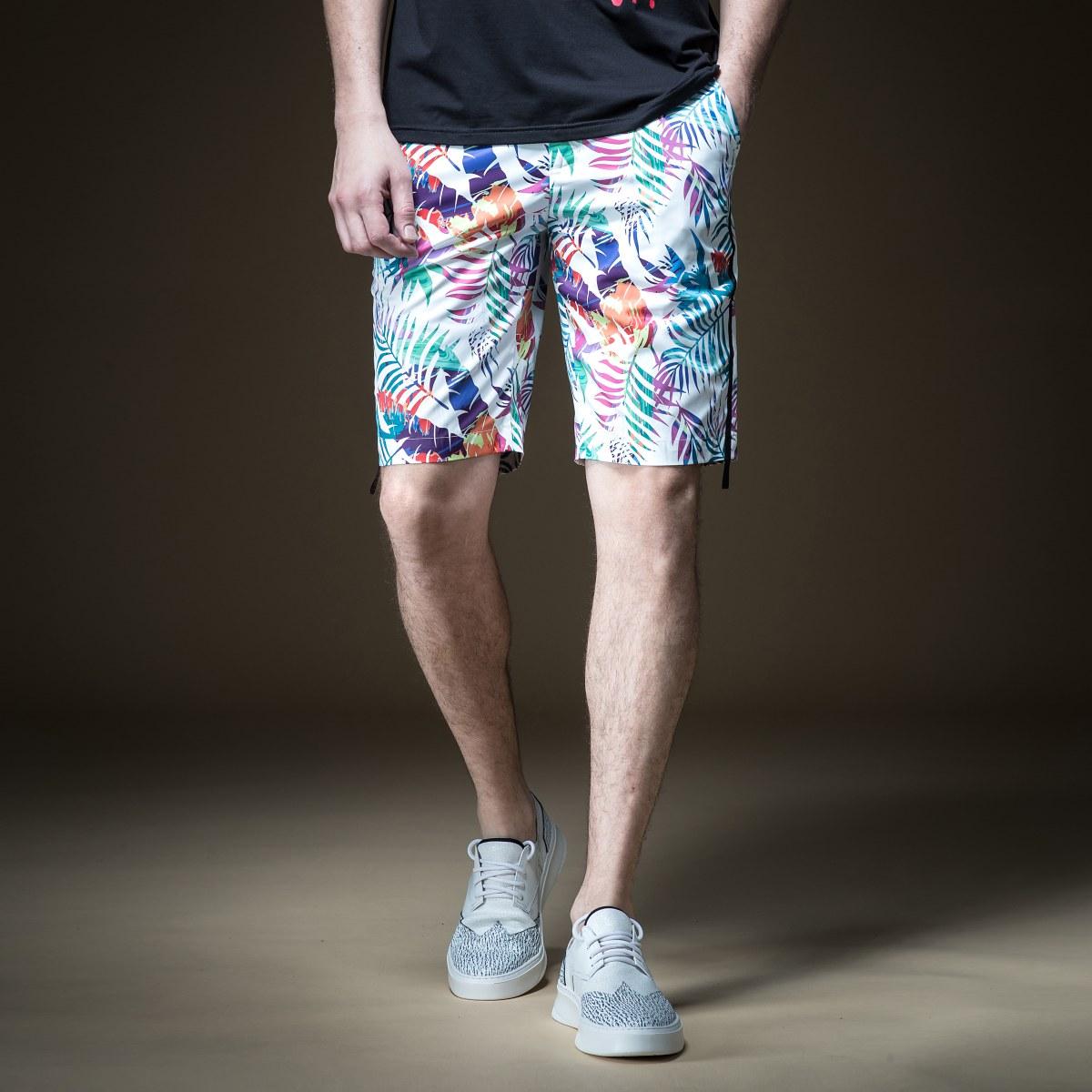 品立2019夏季新款男式休闲裤时尚个性印花沙滩直筒男士短裤B192917579100
