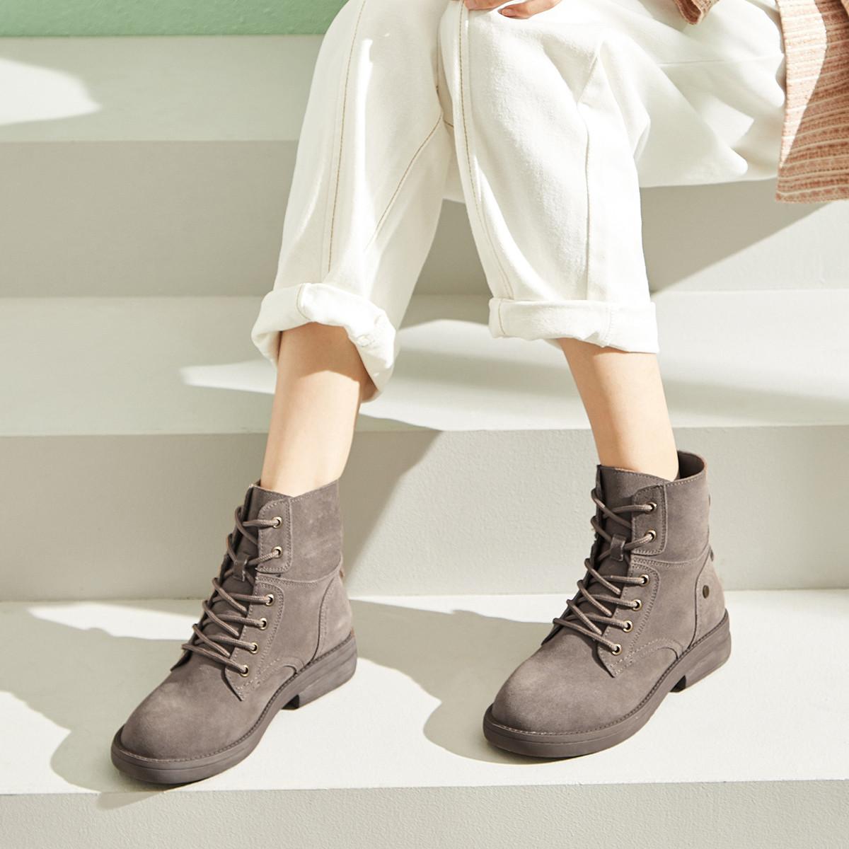 依思Q2019冬季新款真皮牛反绒骑士靴女士系带粗跟绒里短靴子8918001091