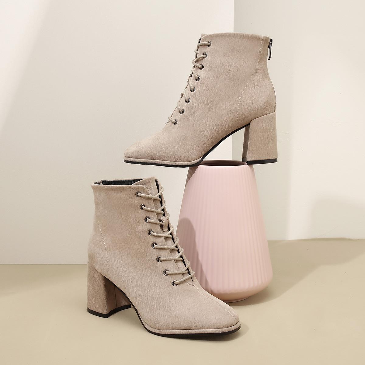 拉夏贝尔拉夏贝尔2019秋冬新款女鞋高跟显瘦短筒单里优雅绒面短靴子女靴L6B9D65654