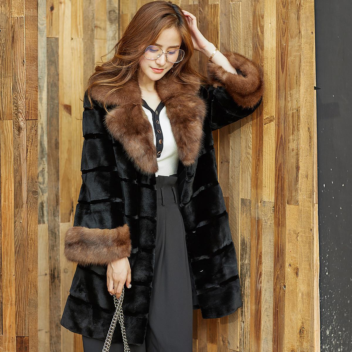 依奴珈依奴珈时尚拼接撞色西装领女士中长款优质貂绒大衣ZHWS2053248