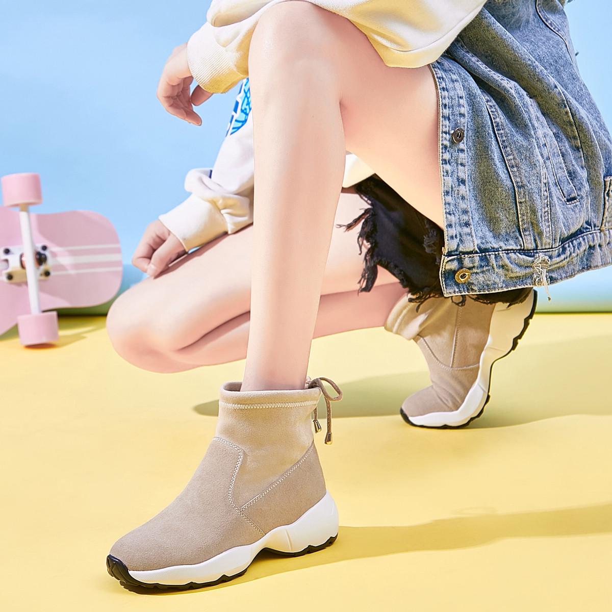 卡帝乐鳄鱼冬新款【真皮加绒】套脚后绑带防滑短靴女老爹鞋女鞋女靴马丁靴女1X592909161052