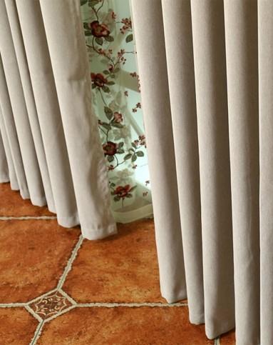 精细亚麻米色窗帘300*270cm双片装打孔