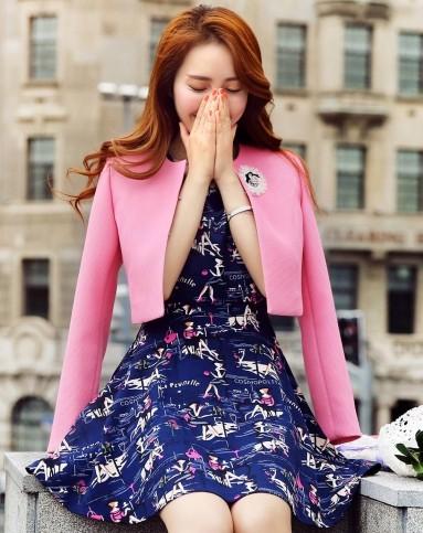 玫粉色连衣裙搭配_苏醒的乐园玫粉色 韩版印花 连衣裙 套装l1296296