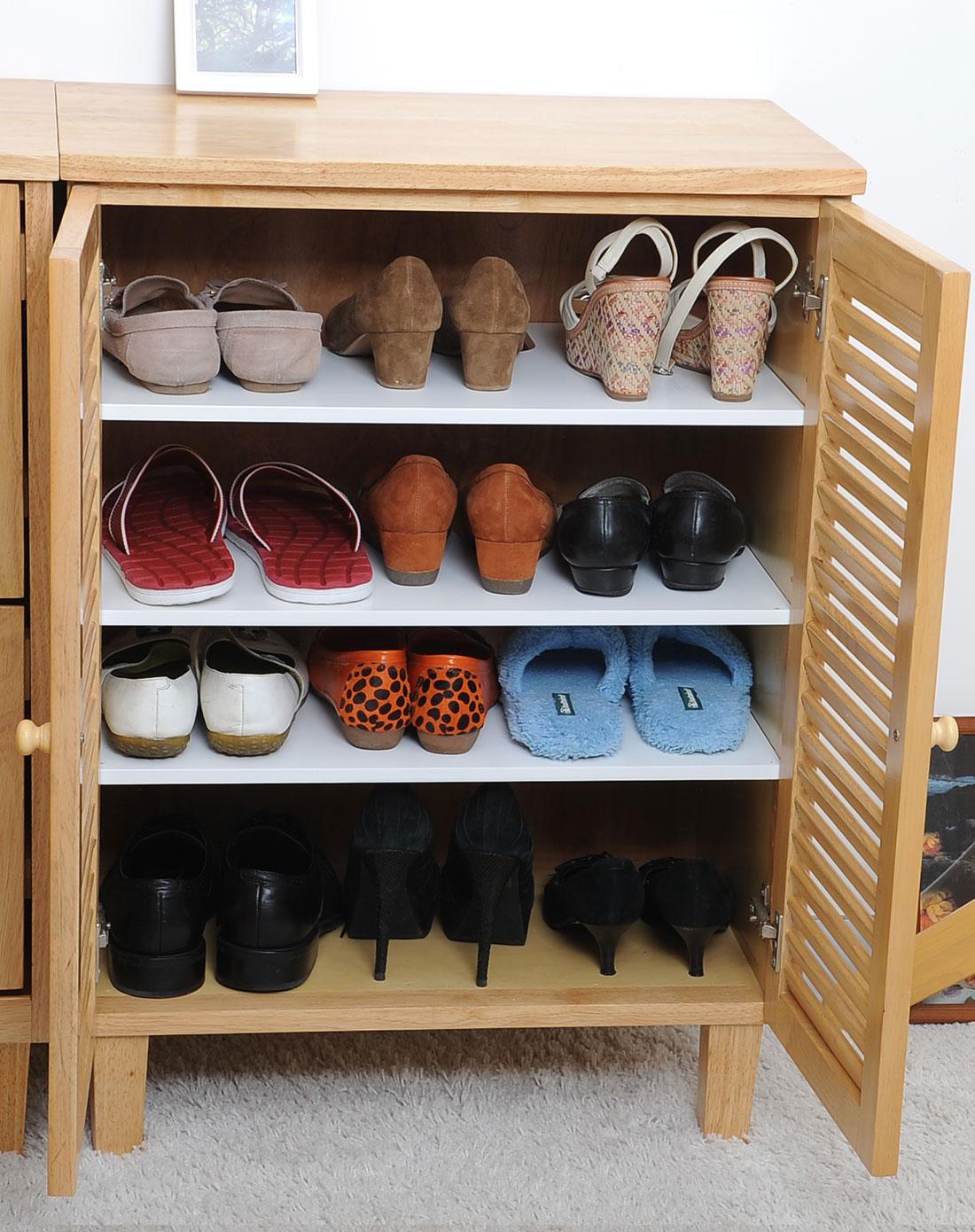 进口双开门实木鞋柜原木色