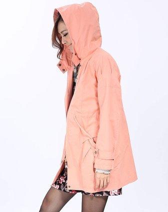粉色风衣搭配图片_明星粉色风衣搭配图片