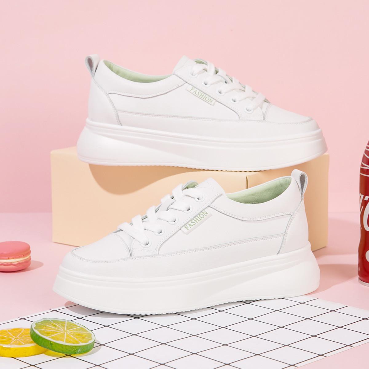 红蜻蜓女鞋2020新款简约休闲圆头小白鞋女日常学院风系带单鞋