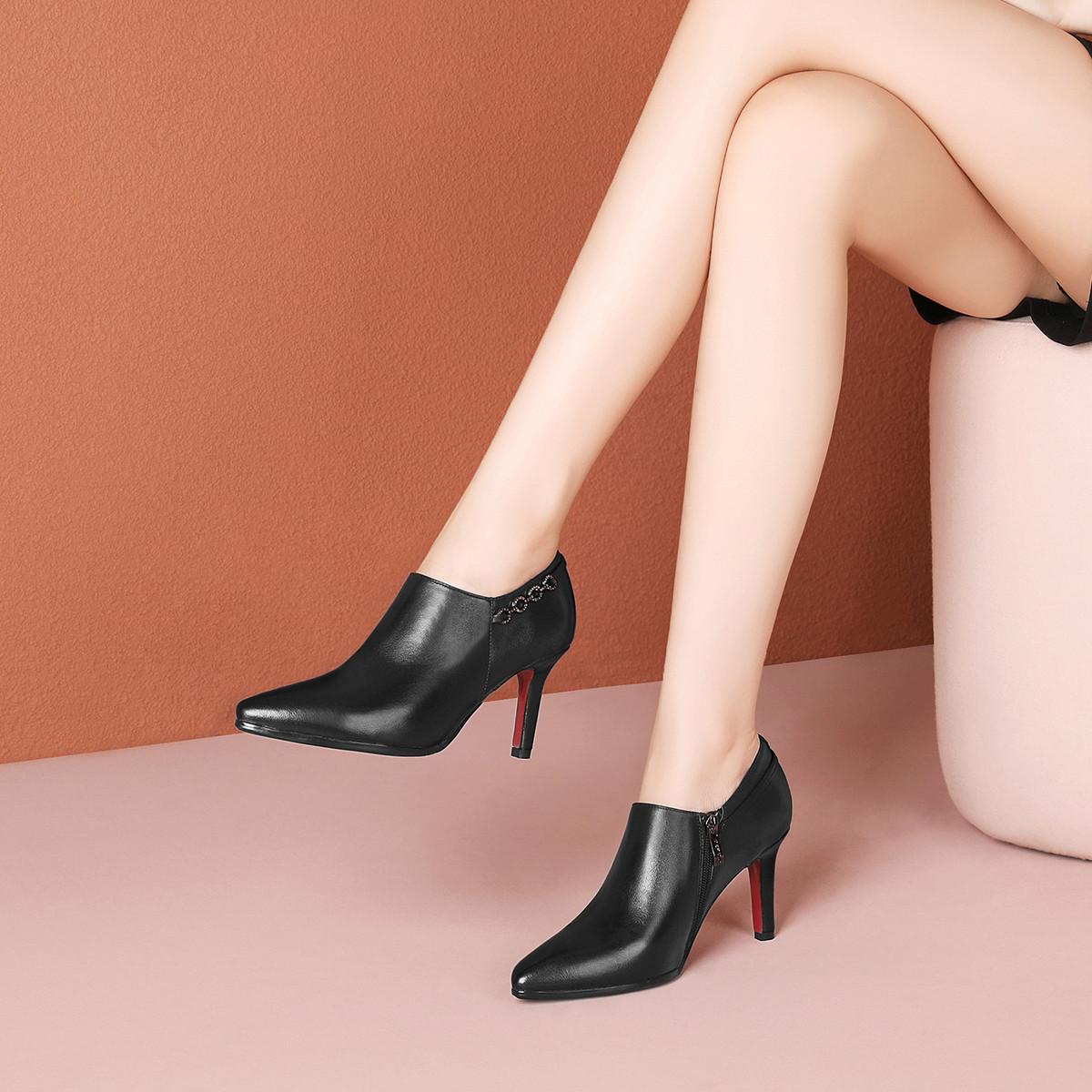 2021新款春季尖头细高跟个性带钻链子时尚深口百搭女单鞋女鞋