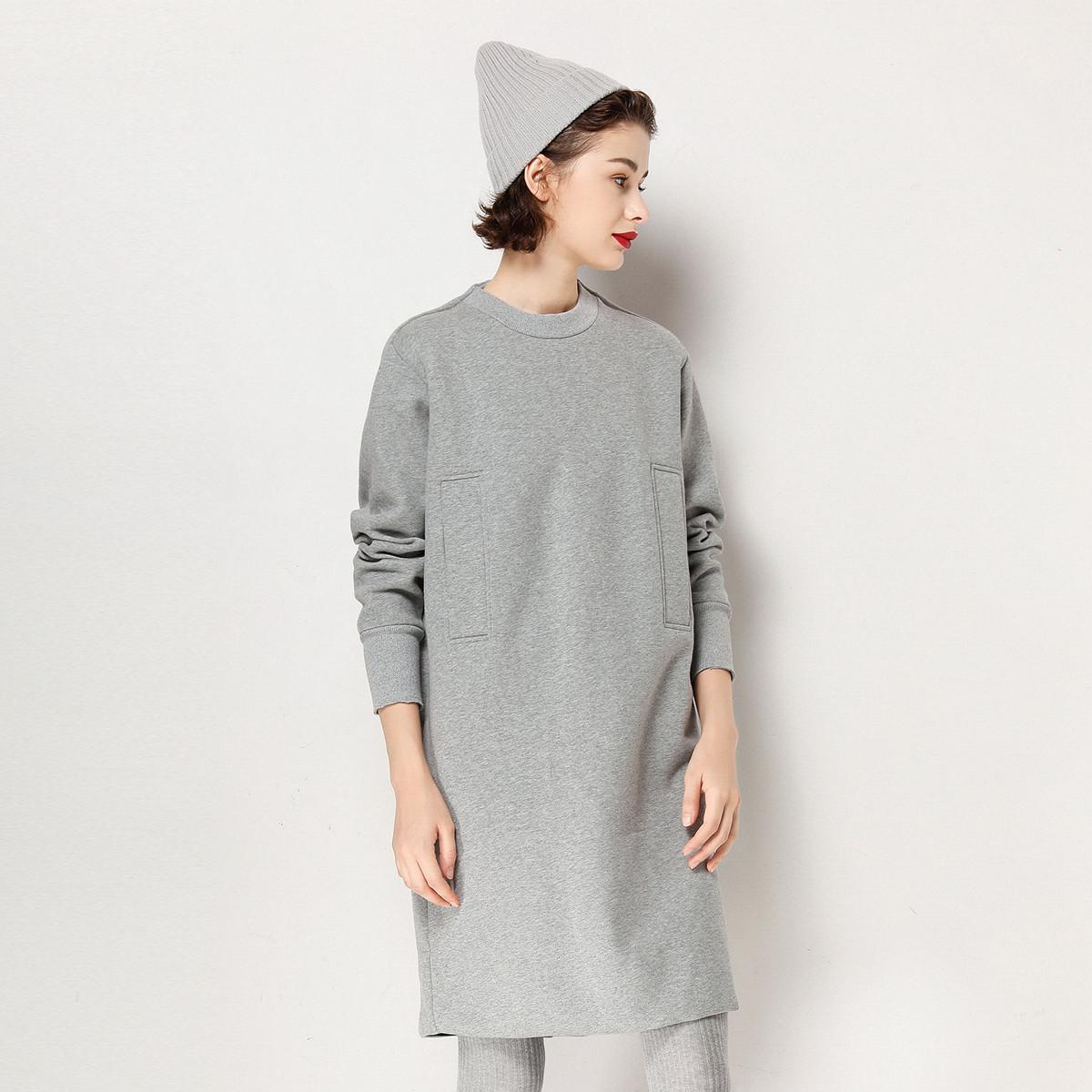 白鹿语20秋新款廓形休闲圆领纯色卫衣裙运动时尚中长款连衣裙
